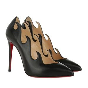 Christian Louboutin Olavague Leather Pumps 39